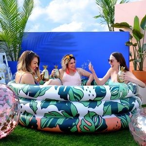 Minnidip Luxe Inflatable Pool
